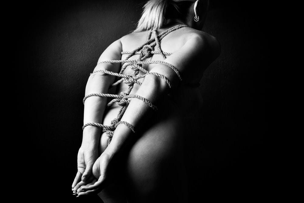 Fetish Photography - northcliff - rope bondage dragonfly sleeve