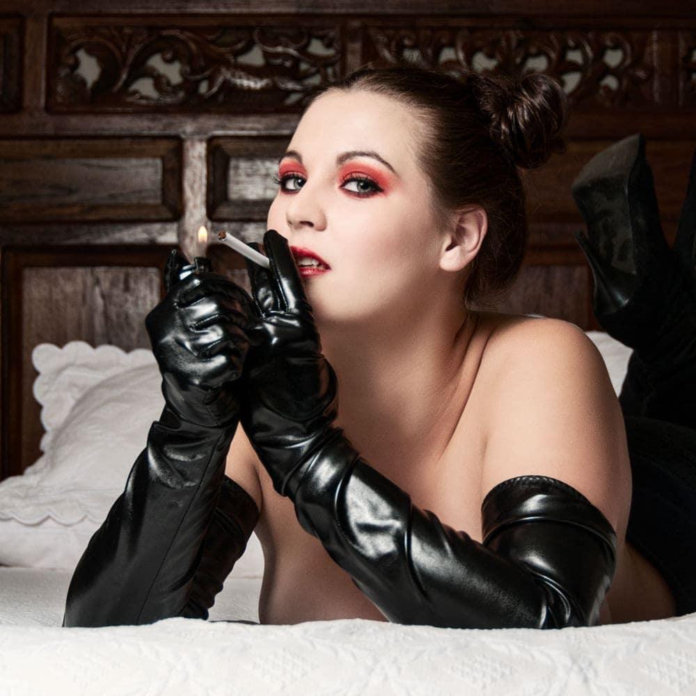 Fetish - Photogrpahy - Pretoria- smoking in gloves