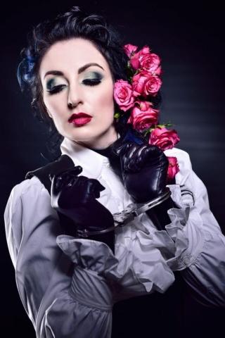 Fetish Photogrpahy - Randburg - Gloves and handcuffs